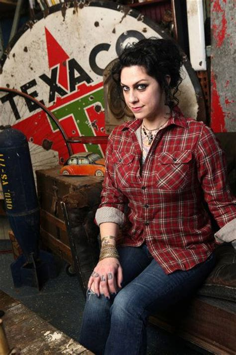 photos american pickers danielle colby shows starcasm american picker danielle google search gorgeous pin up