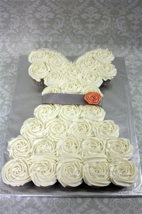 bridal shower cupcakes in shape of wedding dress wedding dress cupcakes around the world in 80 cakes