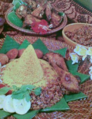 cara membuat nasi kuning lengkap dengan lauk pauknya cara membuat nasi kuning artikel luarbiasa kumpulan
