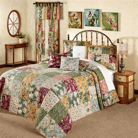 Patchwork Comforters - antique chic patchwork quilted bedspread set bedding