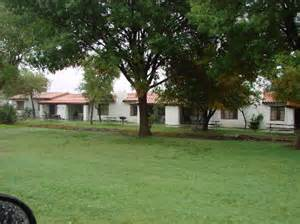 motel bungalows on the canals picture of balmorhea state