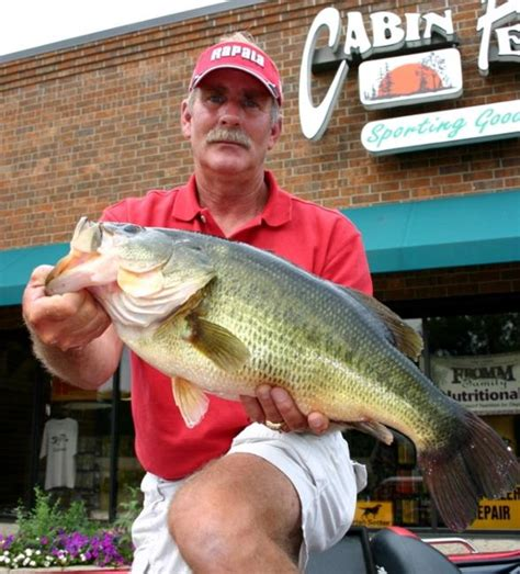 Minnesota Records Flw Tour Pro Lands Minnesota State Record Largemouth Flw Fishing Articles