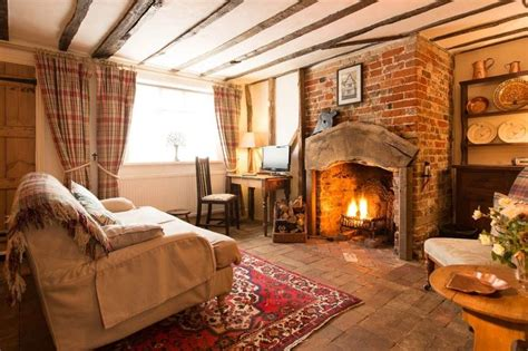 Fireplace Cottage by 17 Best Ideas About Cottage Fireplace On Wood Burner Cozy Fireplace And Log Burner