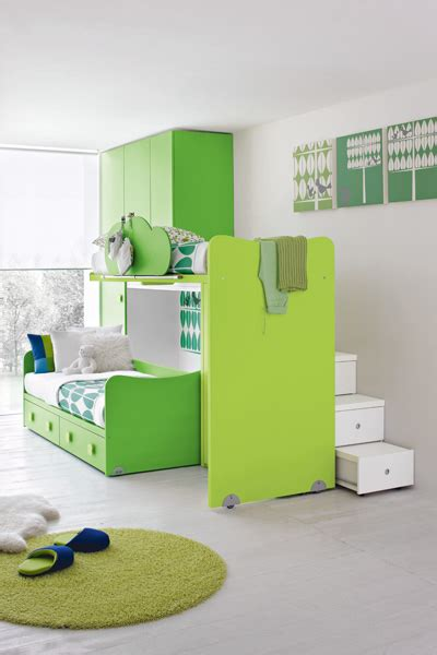 green bedroom furniture ideas