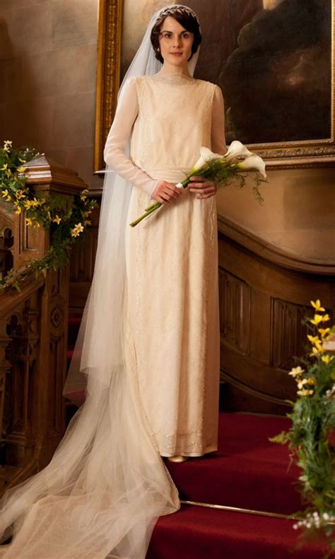 lady mary crawleys   dresses  outfits  downton