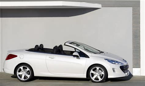 peugeot cabriolet 308 308 cc a cabriolet for all seasons