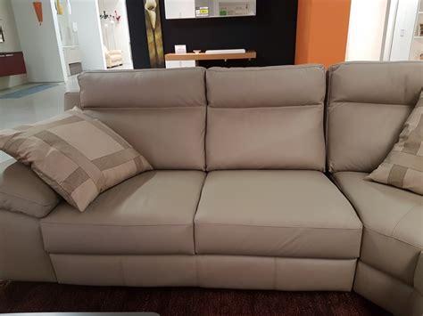 divani pelle prezzi outlet divano in pelle angolare tay 834 calia prezzi outlet