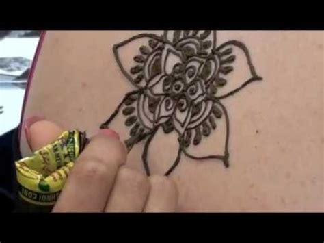 how to tattoo the back of the shoulders with henna youtube