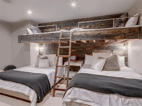 bunk bed rooms best 25 rustic bunk beds ideas on pinterest cabin bunk