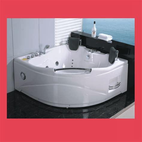 vasca idromassaggio egeria vasca idromassaggio 150 x 150 termosifoni in ghisa