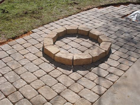 Laying Paver Patio Laying Patio Pavers Patio Design Ideas