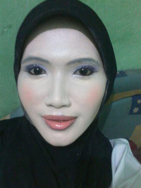 Eyeshadow Putih hitam legam neisya jin hitam