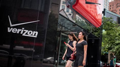 Verizon Mba by Verizon Bleeds Lucrative Customers Despite New Data Plan