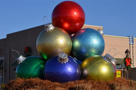 giant ornament 10 ball stack mall displays lifestyle