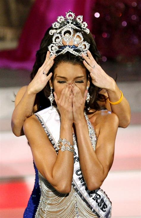 Zuleyka Rivera Mendoza Miss Crowned Miss Universe 2006 by Top Crowning Moments Of Miss Universe Pageant Throughout
