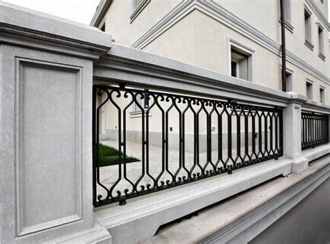 ringhiera balconi balaustra scala e ringhiere per balconi balaustre in ferro