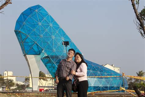 taiwan church shaped like a shoe video this shoe shaped church gives new hope to taiwan