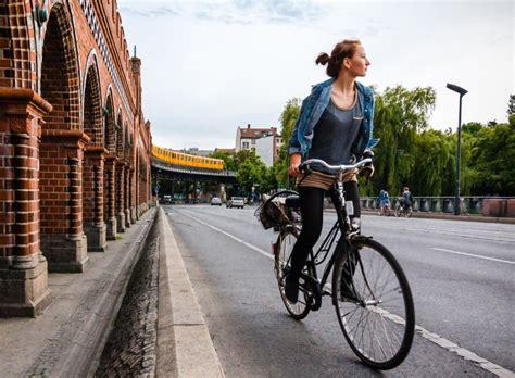 berta monta en bici los 5 beneficios para la salud de montar en bicicleta bicihome bicihome