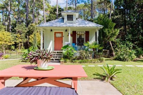 Granite Topped Kitchen Island by Rent This Tiny Cottage In The South S Best Kept Secret