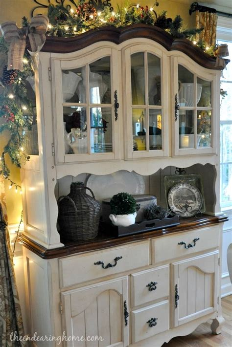 25 best ideas about china cabinet painted on painted china hutch refinished china