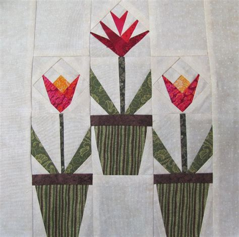 Tulip Quilt Pattern Block by Springtime Tulip Blooms Free Quilt Block Pattern From