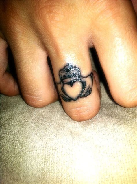 claddagh ring tattoo indubitably irish pinterest
