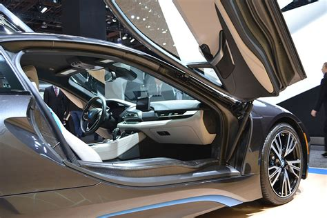 Bmw I8 Glass Doors by The 2015 Bmw I8 In Hybrid Supercar Of Extrication