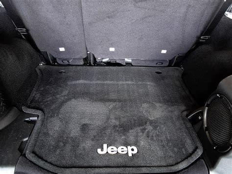 Jeep Wrangler Factory Subwoofer 2011 Jeep Wrangler Unlimited