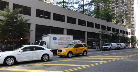 South End Parking Garage by Brookfield Should Buy The Gateway Plaza Parking Garage And