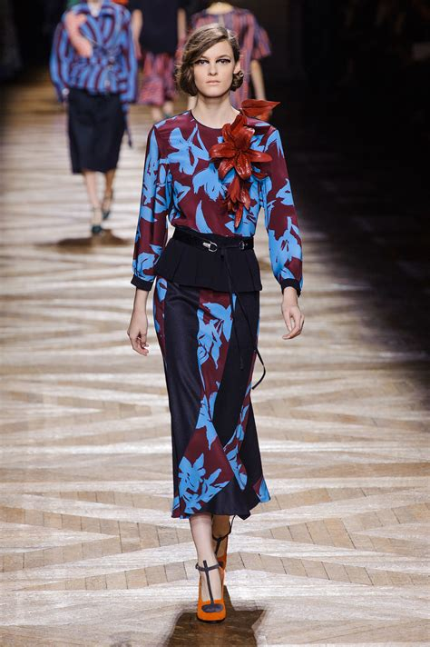 libro dries van noten dries van noten fall 2014 dries van noten got pantone s memo popsugar fashion