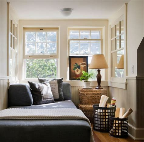 10 tips on small bedroom 10 small bedroom decorating tips