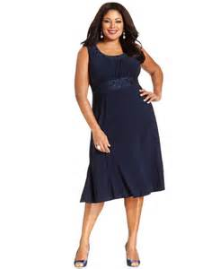 r amp m richards plus size sleeveless embroidered dress and