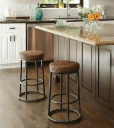 Countertop Stools Kitchen 15 Ideas For Wooden Base Stools In Kitchen Bar Decor Bar Kitchen Industrial Style And Stools