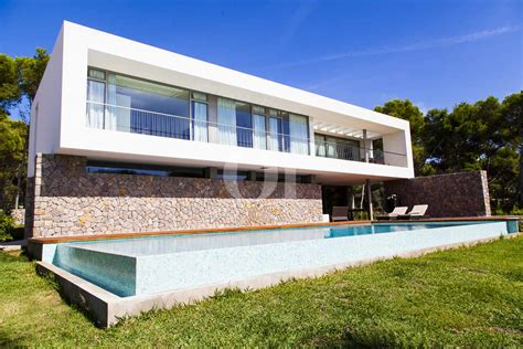 venta de casa en mallorca impresionante casa minimalista en venta en cala ratjada