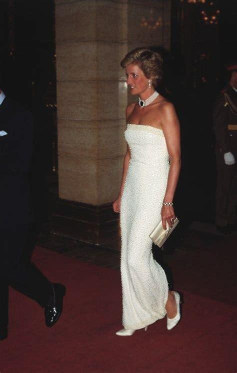 Diana Set Princess princess diana a large sapphire set in brooch was worn