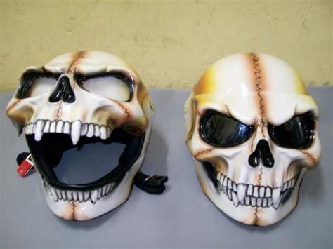 Helm Tengkorak 7 helm unik yang bisa menipu matamu