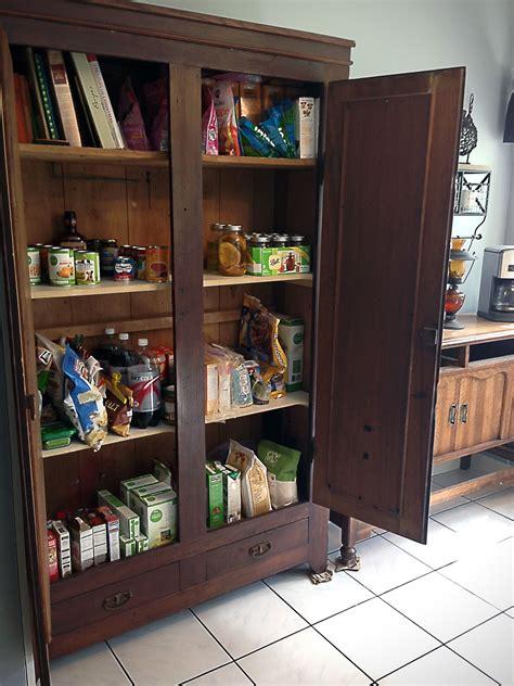 turn   wardrobe   pantry stand