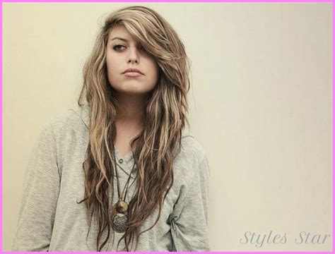 Curly Hairstyles With Bangs And Layers by Curly Haircuts With Layers And Bangs Stylesstar
