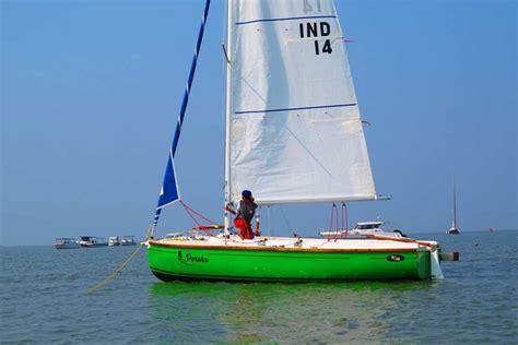 8 seater boat sailing at gateway of india mumbai xs 63 sailboat 8