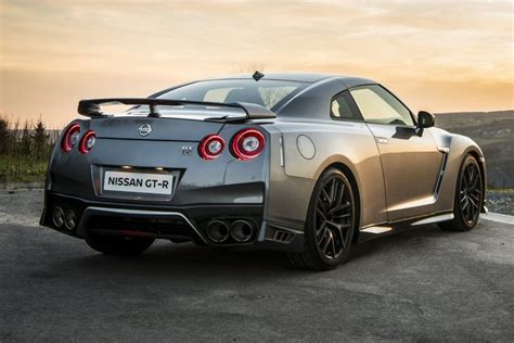 nissan gtr r35 review 2017 nissan gt r review
