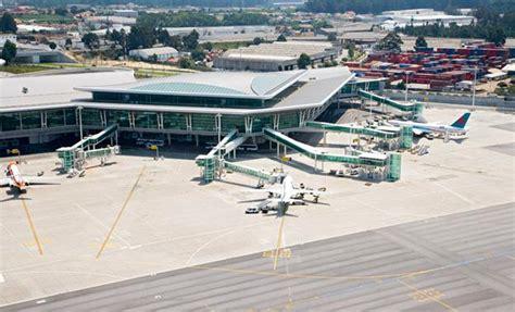 airport in porto portugal image gallery oporto airport