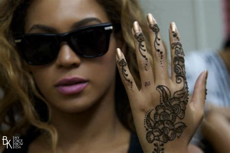 henna tattoo jokes bey with henna tatto beyonc 233 the