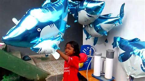Mainan Baby Shark qyla melepas balon karakter shark baby shark song