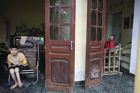 Agen Sho Bsy Original orange victims captured in heartbreaking portrait