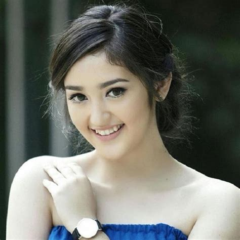 skandal foto hot artis korea dan aktris cantik cina hebohkan publik biodata ranty maria artis muda di indonesia