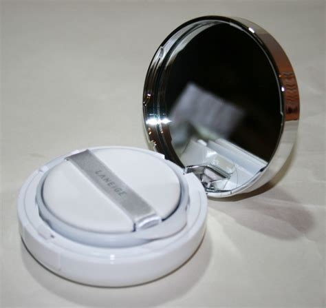 Laneige Bb Cushion Review laneige pore bb cushion foundation review and competition uk