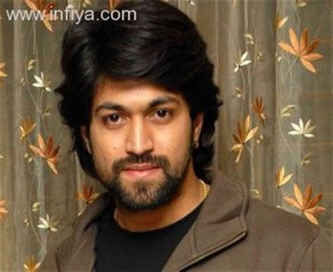 actor yash information the gallery for gt yash kannada actor family photos