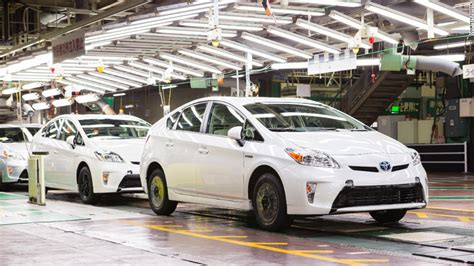 see toyota cars on toyota kaikan factory tour see cars being made in