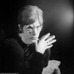 David The Unseen striking unseen photographs of david bowie daily