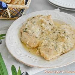 cucinare il petto di pollo a fette petto di pollo al latte e salvia ricetta